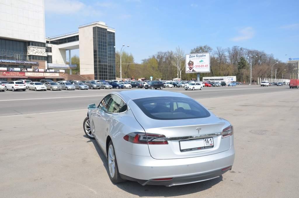 Аренда Tesla на час